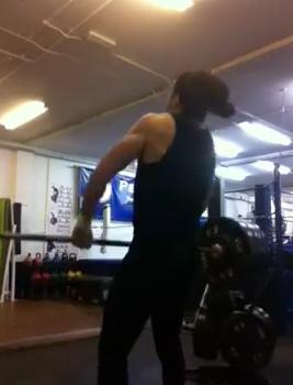 Rogelio performing an explosive power clean