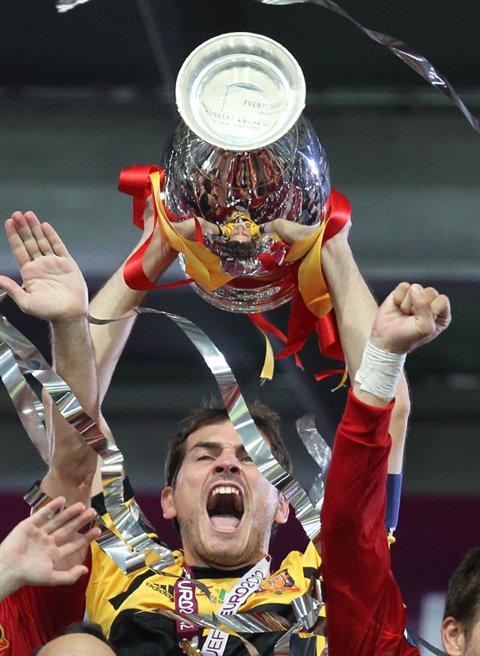 Iker Casillas is losing hair and balding as he experiences hair loss
